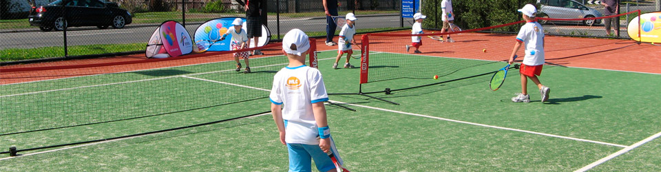 Sunshine Tennis Club Junior Hots Shots in action